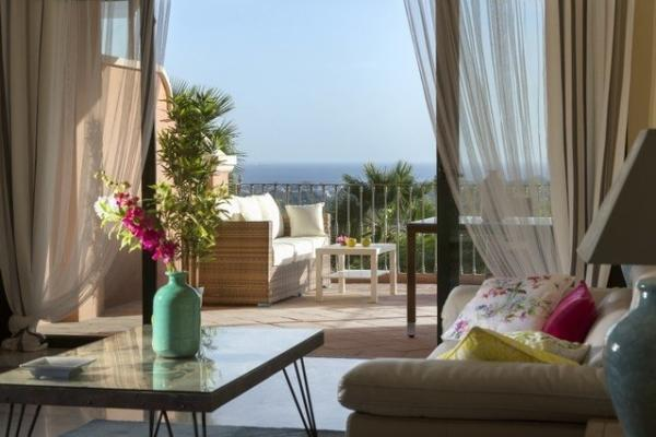 3 Sovrum3, Badrum Lägenhet Till Salu i Cumbre de los Almendros, Monte Halcones, Benahavis