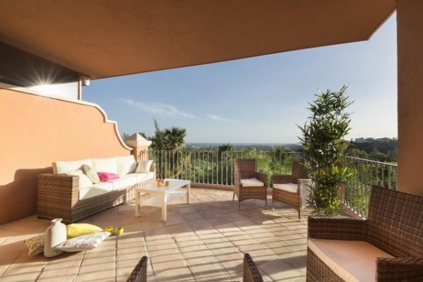 2 Sovrum2, Badrum Lägenhet Till Salu i Cumbre de los Almendros, Monte Halcones, Benahavis