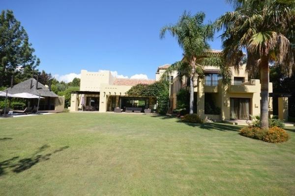 6 Sovrum6, Badrum Villa Till Salu i Guadalmina Baja, San Pedro de Alcántara