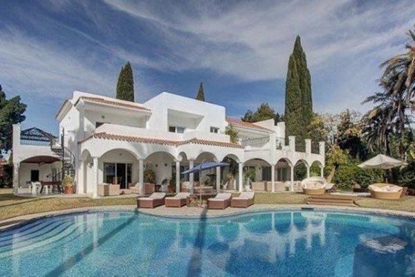 8 Sovrum7, Badrum Villa Till Salu i Atalaya de Rio Verde, Nueva Andalucia, Marbella