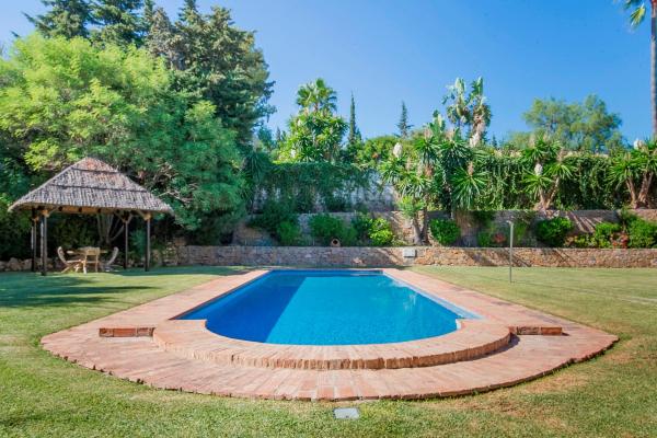 5 Sovrum, 5 Badrum Villa Till Salu i Fuente del Espanto, Benahavis