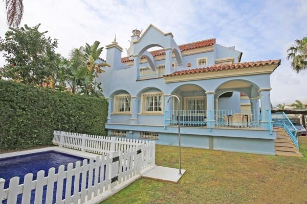 6 Sovrum, 4 Badrum Villa Till Salu i Lorea Playa, Marbella - Puerto Banus