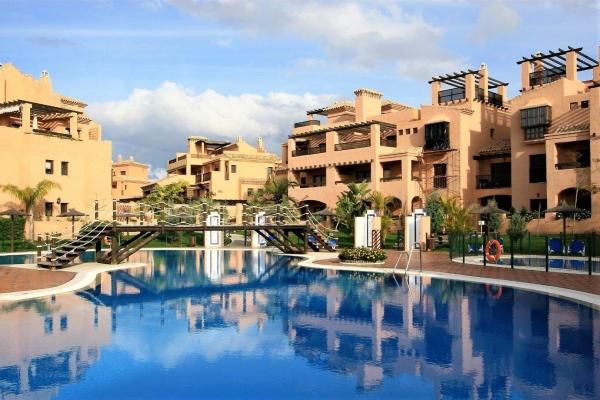 3 Sovrum, 2 Badrum Lägenhet Till Salu i Hacienda del Sol, New Golden Mile, Estepona