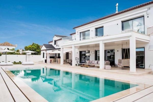 5 Sovrum, 4 Badrum Villa Till Salu i Casablanca, Marbella Golden Mile