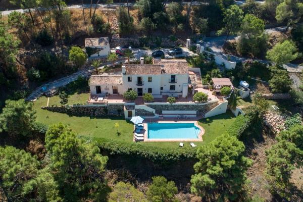 4 Sovrum, 4 Badrum Villa Till Salu i El Madronal, Benahavis