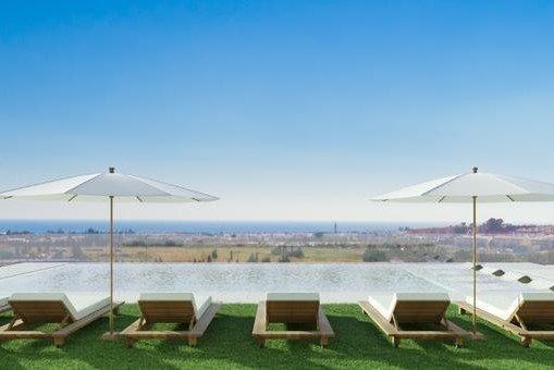 Apartment in Jardines de Guadaiza Phase 3 Nueva Andalucia, Marbella