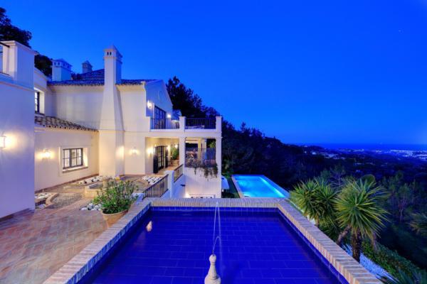 5 Sovrum5, Badrum Villa Till Salu i El Madronal, Benahavis