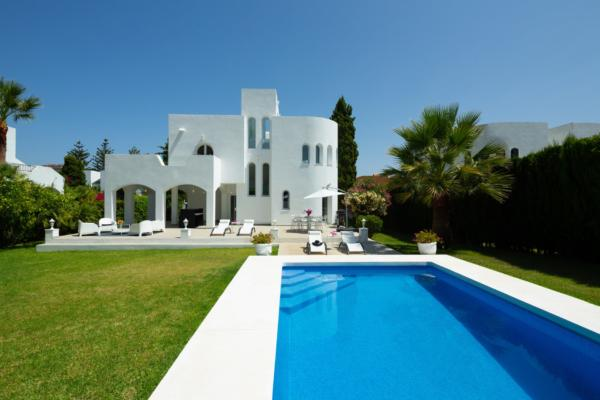 4 Sovrum3, Badrum Villa Till Salu i Nueva Andalucia, Marbella